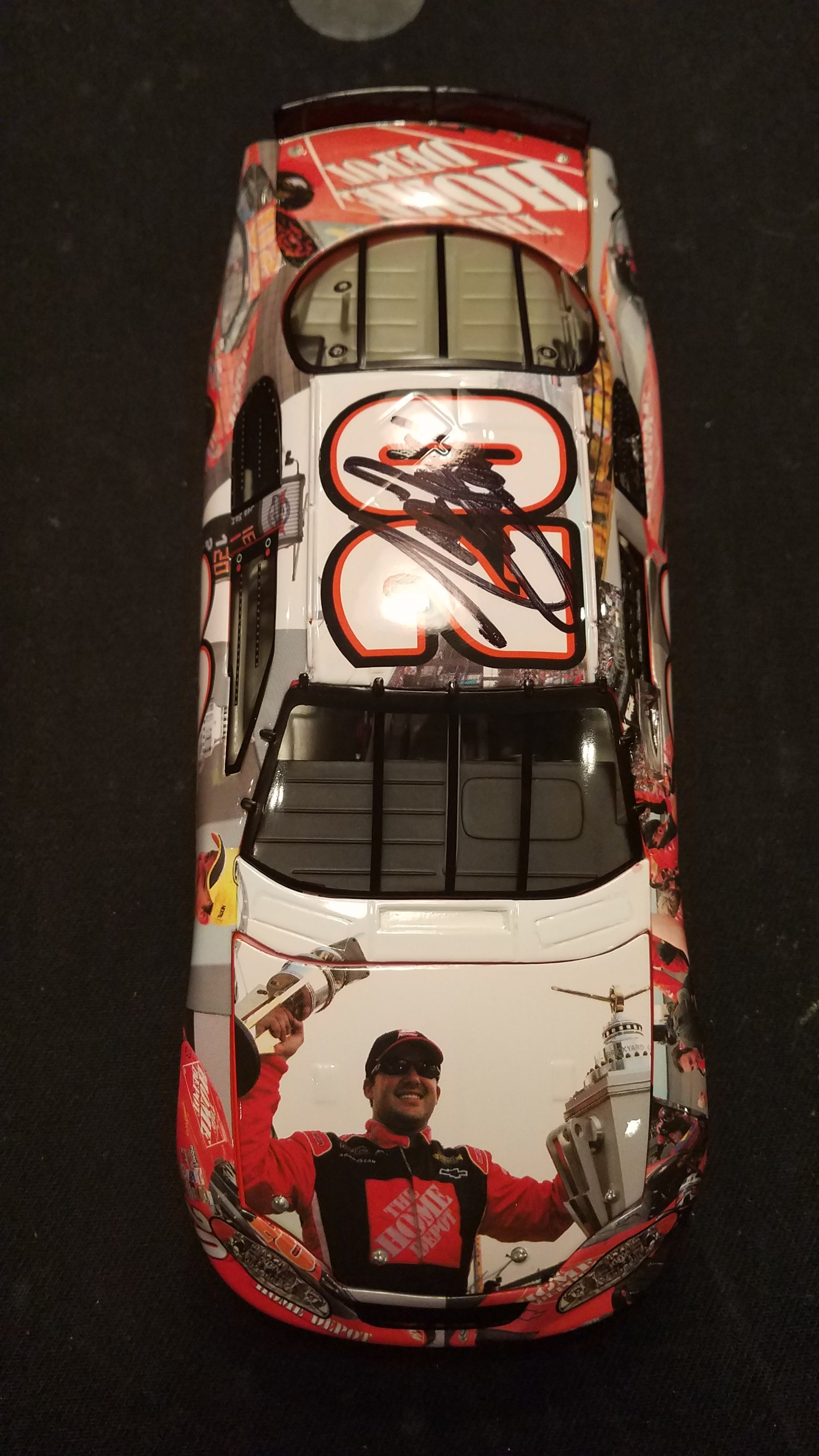 Autographed Tony Stewart Monte Carlo Nascar Champion 2005 Home Depot 1:24 Diecast in Original Box
