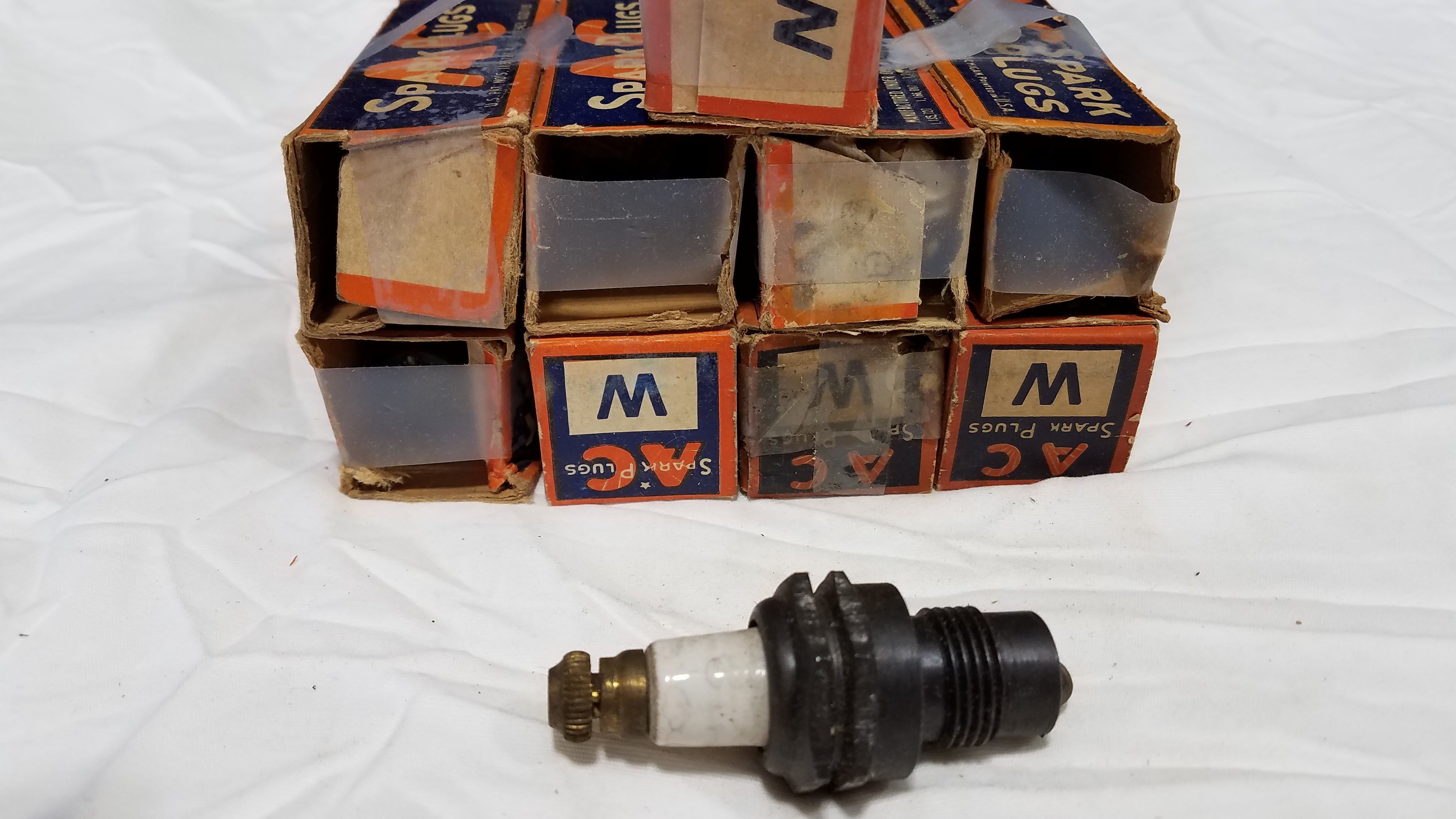 Rare Vintage 9 AC W Spark Plugs in Original Boxes
