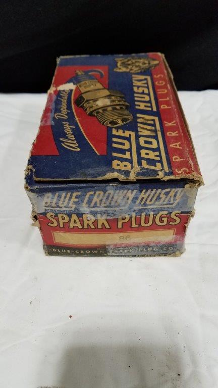 Rare Vintage 10 Blue Crown Husky 86 Spark Plugs with Display Case & Boxes