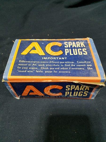 AC J-9 Spark Plugs in Original Boxes (Lot of 4)
