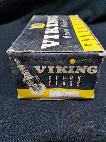 Viking Duro Point 18H Spark Plugs in Original Boxes (Lot of 10)
