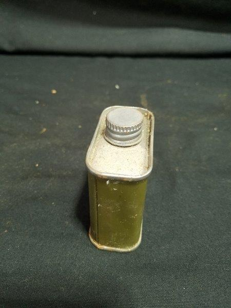 R.M. Hollingshead Military Oil Can
