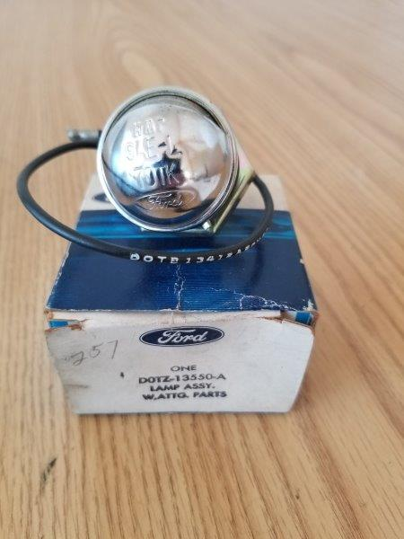 Ford Truck Genuine Part D0TZ-13550-A License Plate Bumper Lamp Assembly