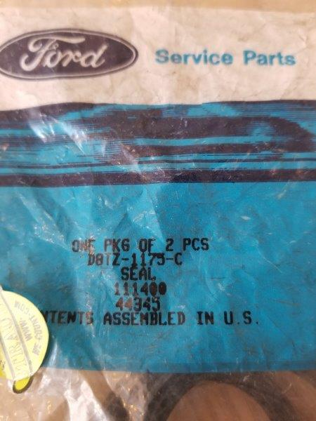 Ford OEM Part D8TZ-1175-C Spindle Seal