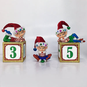 S/3 Three Elves W/Blocks