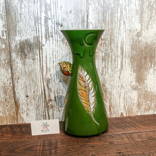 Vase with leaves Medium