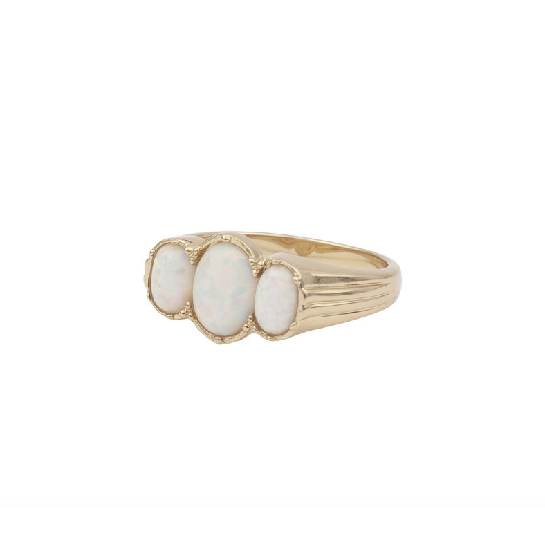 ALL THE LUCK IN THE WORLD OVAL WHITE RING 18K GOLD