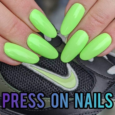 PRESS ONS NAILS IN ONE COLOR