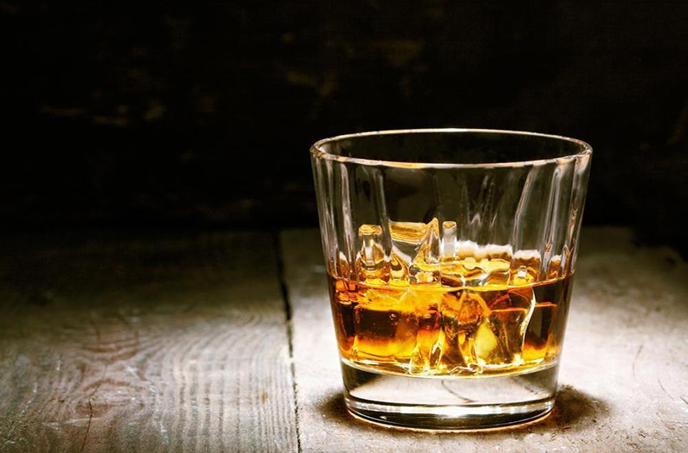 Warm Up This Winter with johnnie-O's Favorite Whiskey Drinks