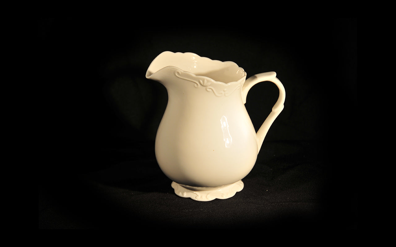 HCCH4607 - Textured Water Jug