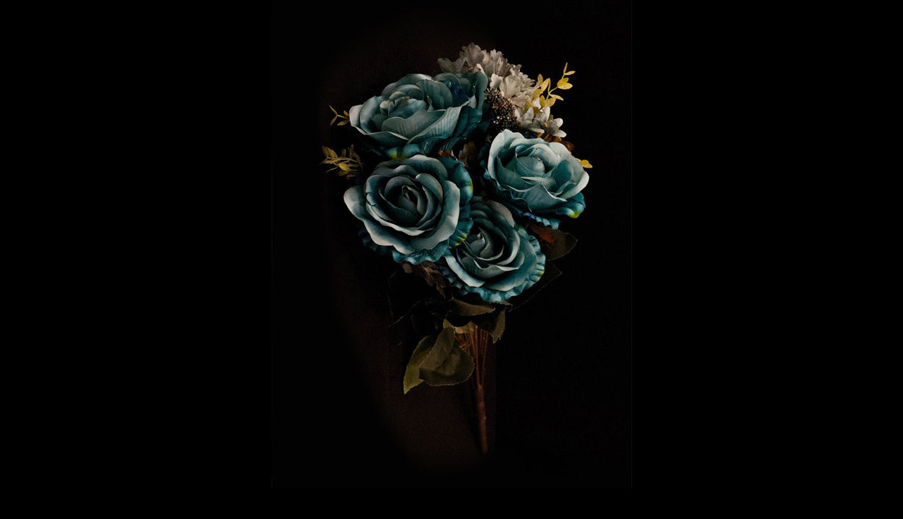 HCFL4756 - Teal M Rose Bouquet