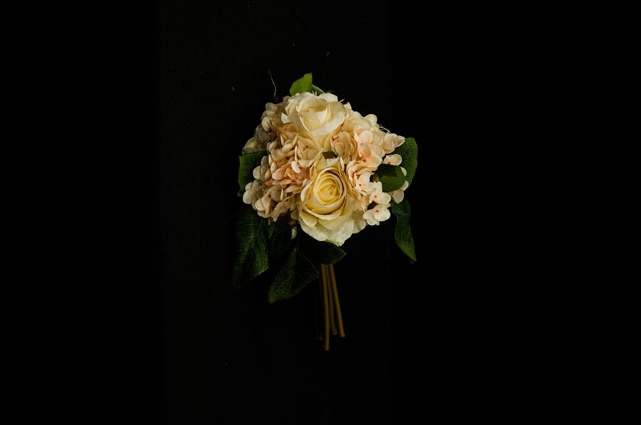 HCFL5281 - Cream Rose/Hydra Bouquet