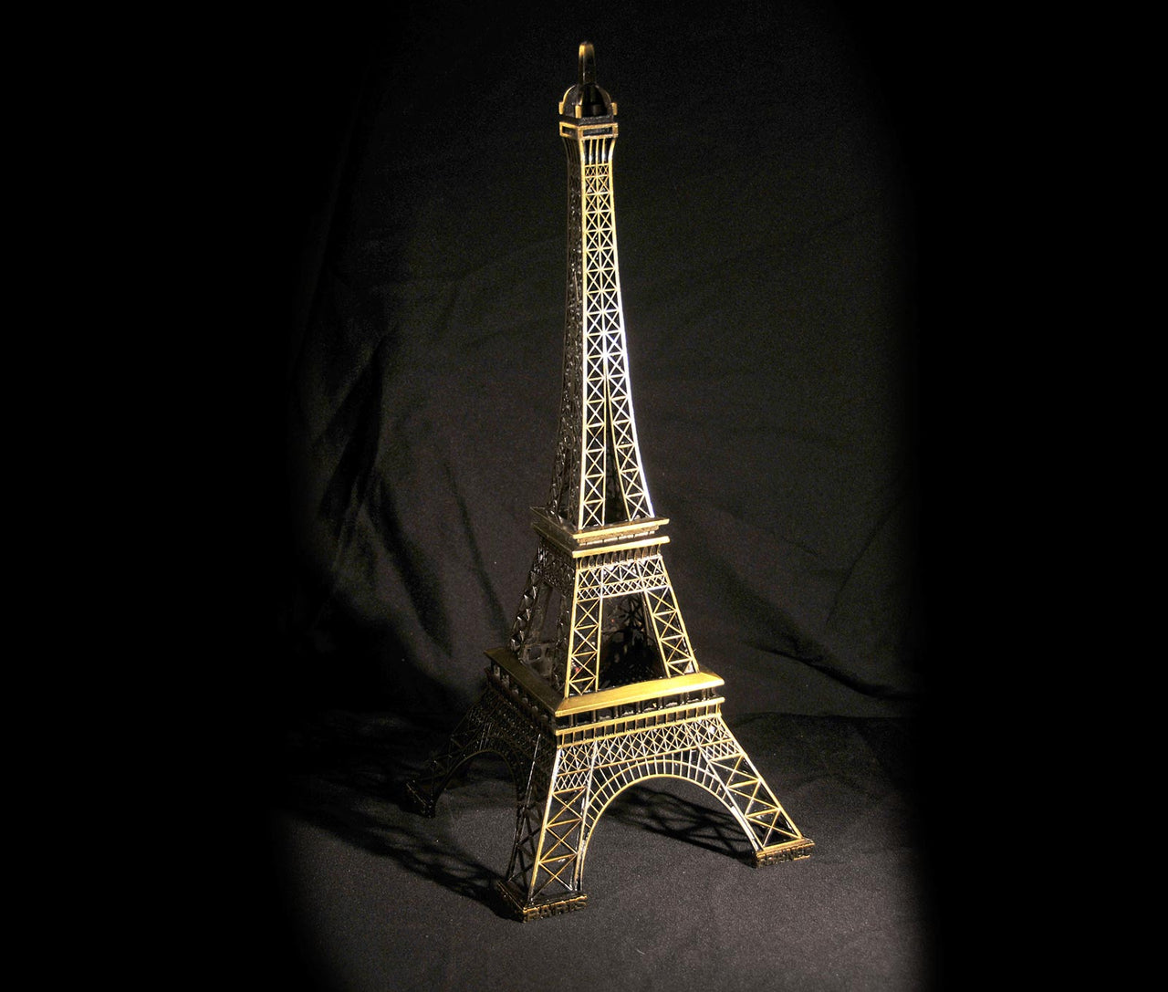 HCHD4999 - Eiffel Tower - 27""