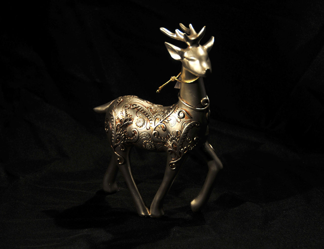 HCHD5057 - Reindeer Facing Left