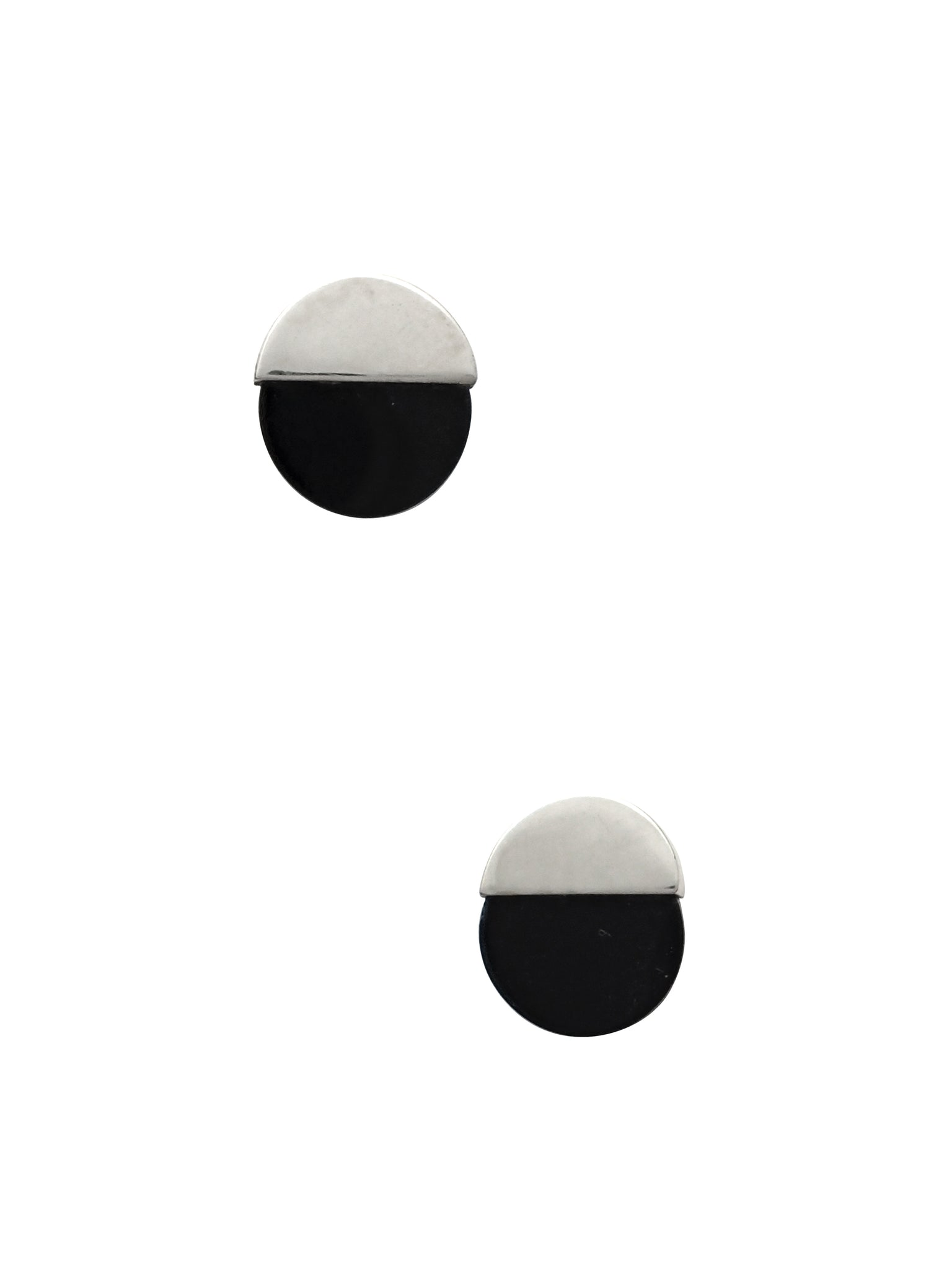 Circle Studs / Sterling Silver with Black Onyx