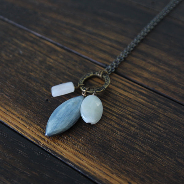 the inner light of truth and love. :: moonstone. kyanite. rose quartz.