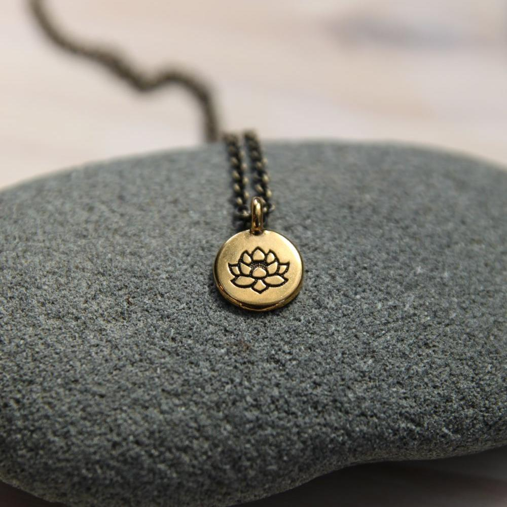 no mud. no lotus. :: necklace
