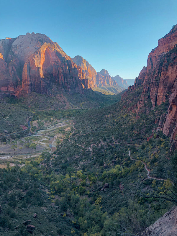 Hiking & Camping in Zion National Park during the Fall
