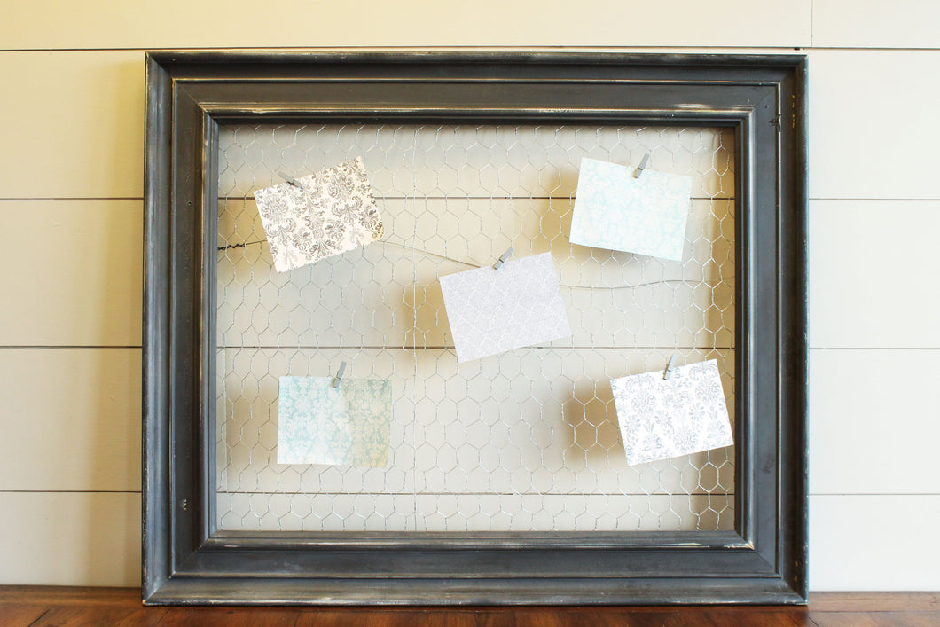 Distressed Wood Chicken Wire Frame