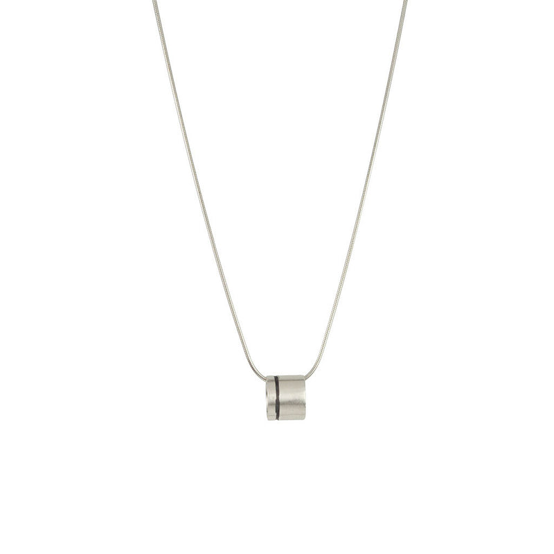 Lineage Single Line Mini Ring Necklace (Close up)