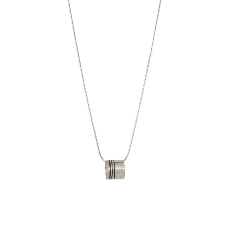 Lineage Triple Line Mini Ring Necklace (Close up)