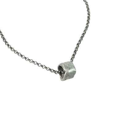 Stone Mini Ring Necklace (Close Up)