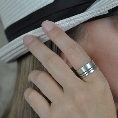 Lineage Double Line Ring