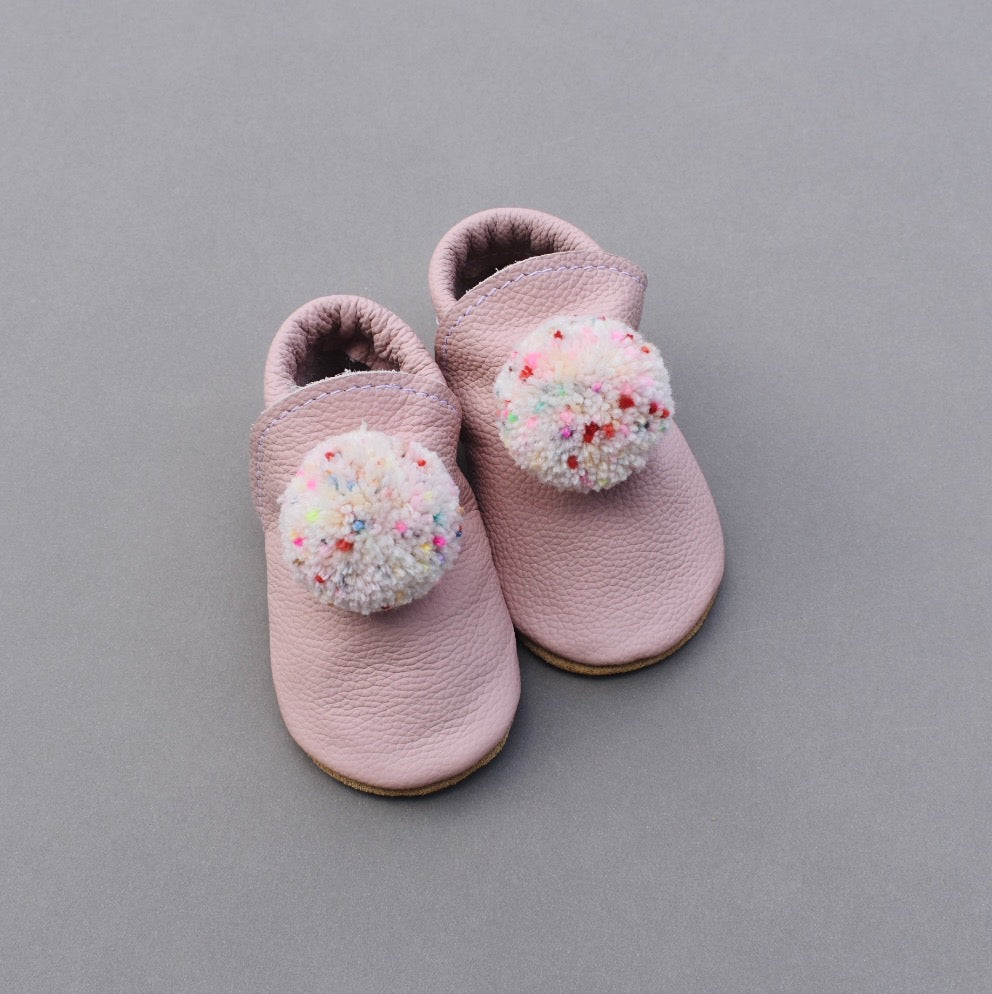 leather pompom shoes - PINK