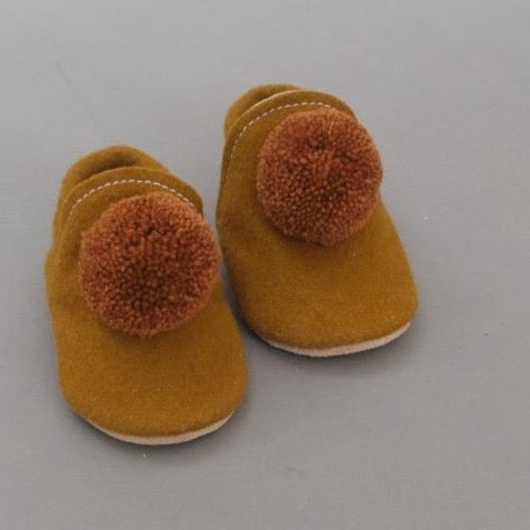 PRE-ORDER Wool Pompom Shoes - cinnamon