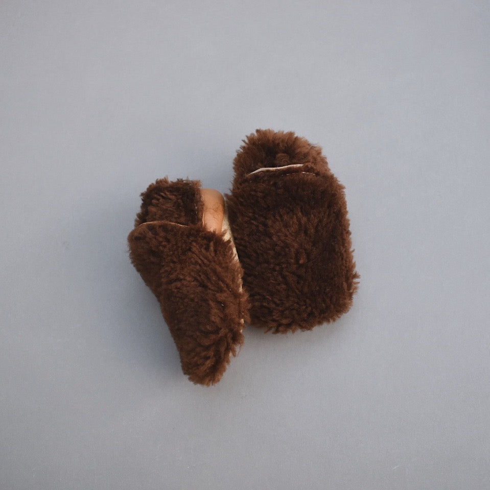 Fuzzy Loafers - chocolate