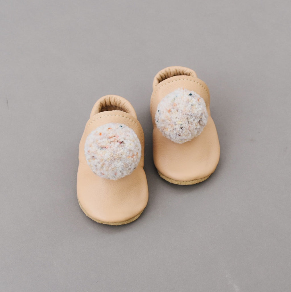 leather Pompom Shoes - almond with sprinkle 02