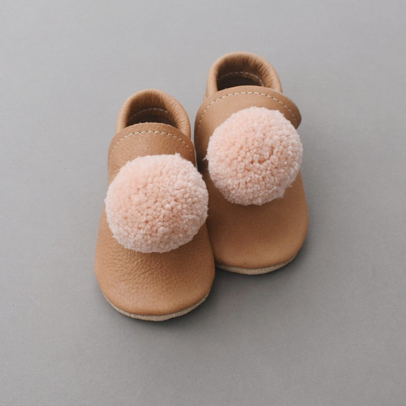 Leather Pompom Shoes - walnut with peach