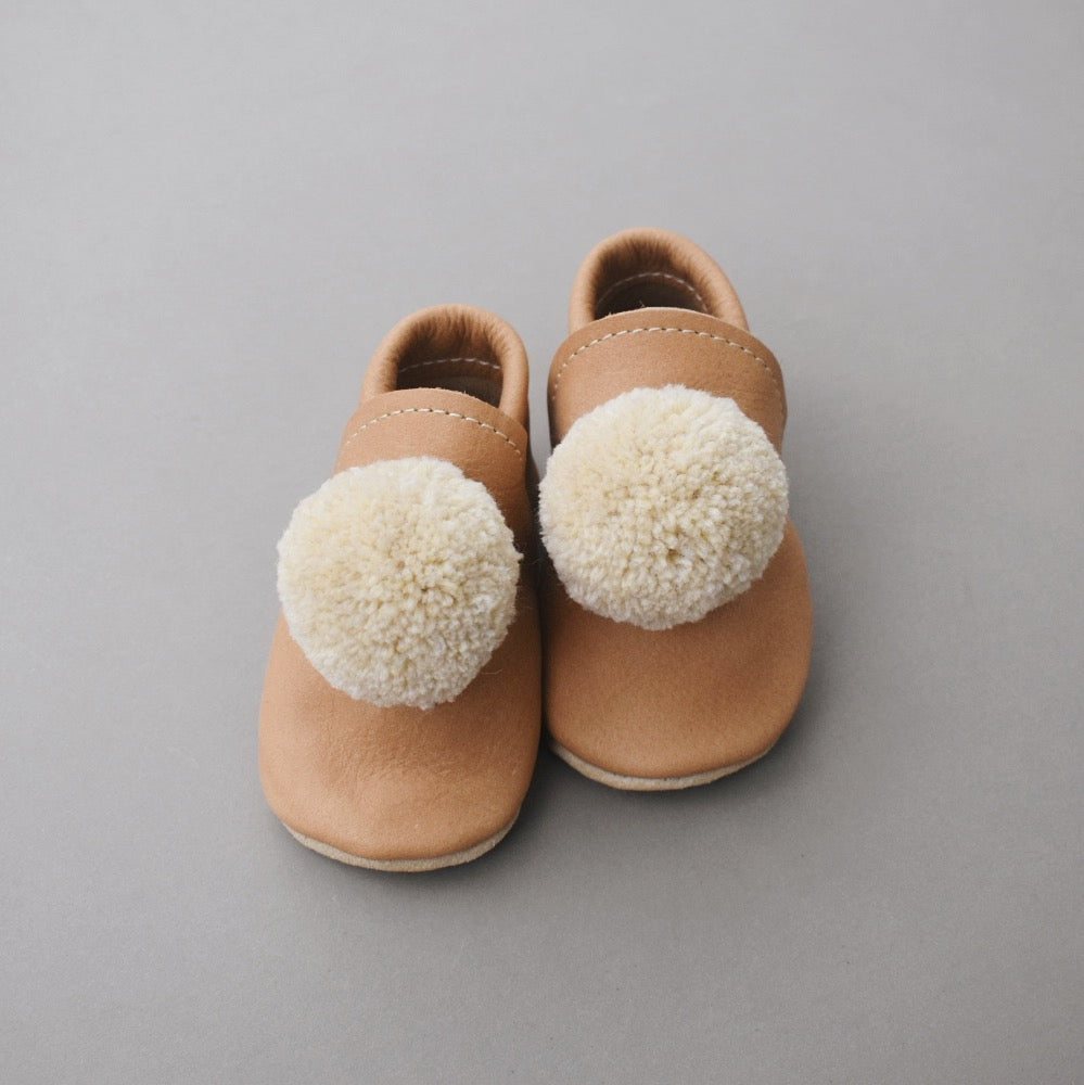 Leather Pompom Shoes - walnut with beige pompom