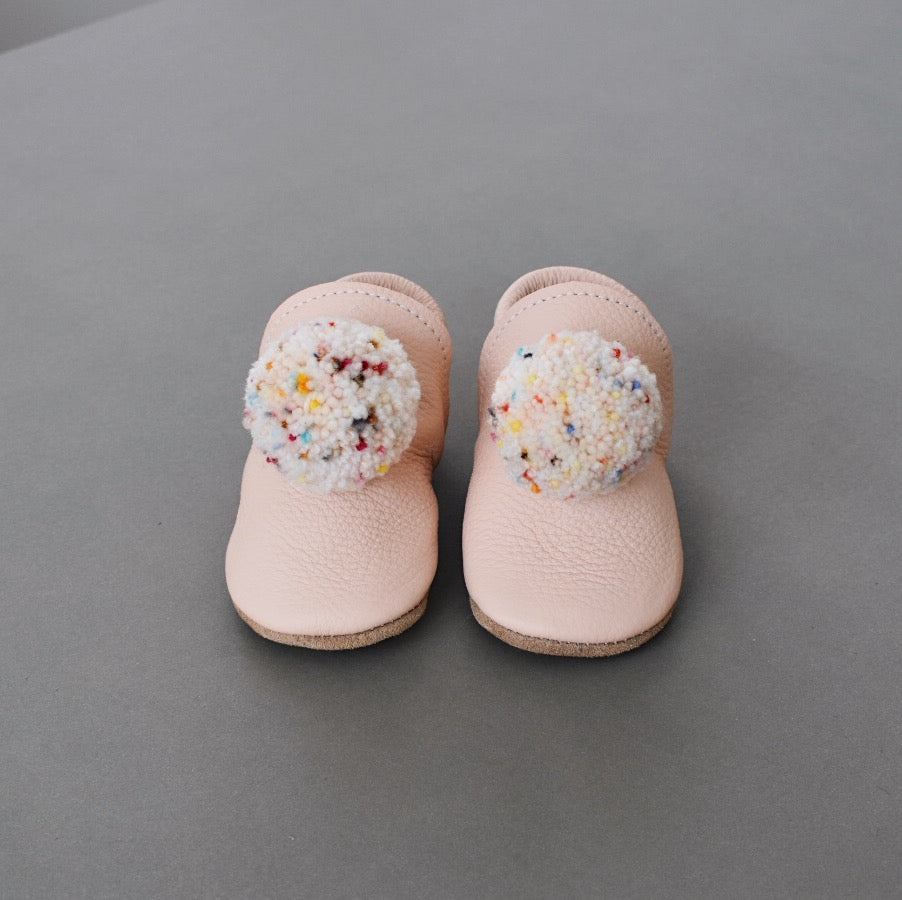 PRE- ORDER pompom shoes - bloom