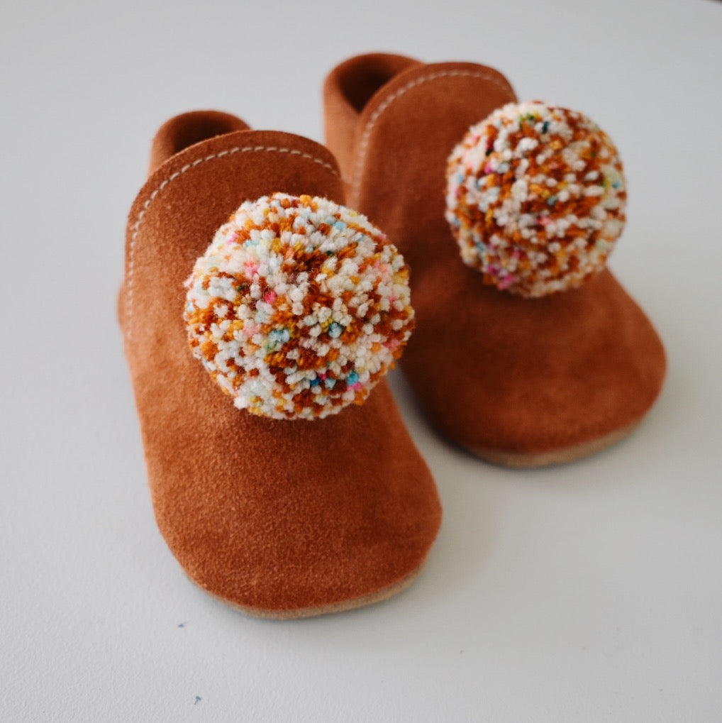 pompom shoes - rust