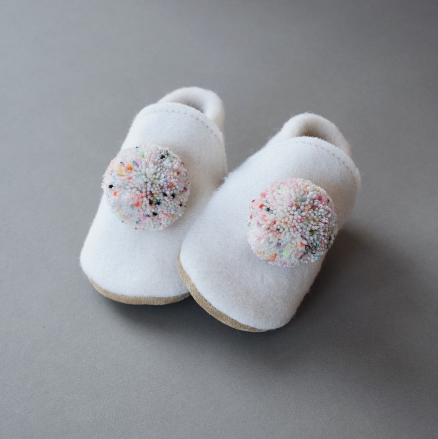 wool pompom shoes - cream sprinkle
