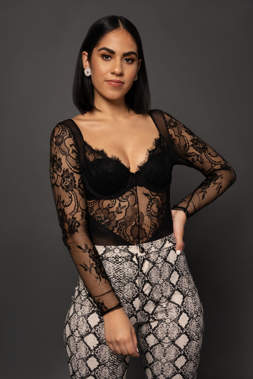 ZARA LACE TOP - UVM Collection