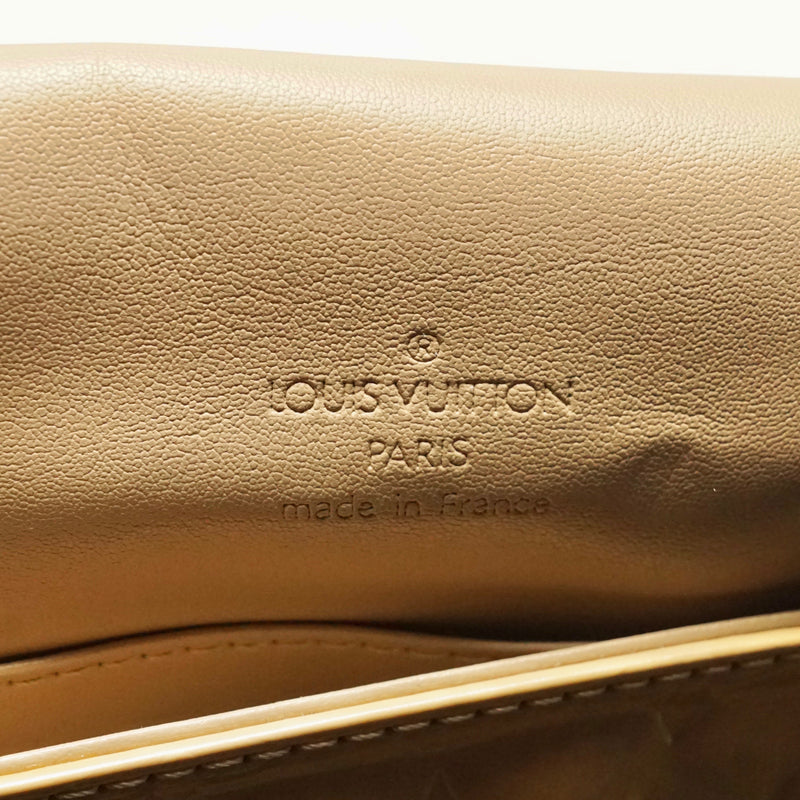 Pre-loved authentic Louis Vuitton Thompson Street sale at jebwa