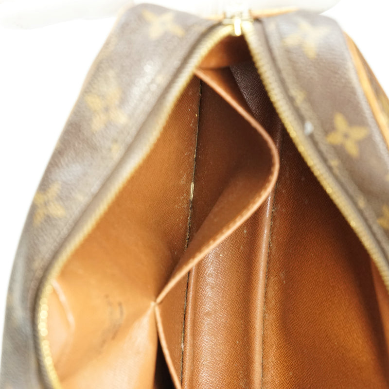 Pre-loved authentic Louis Vuitton Compiegne 28 Clutch sale at jebwa.