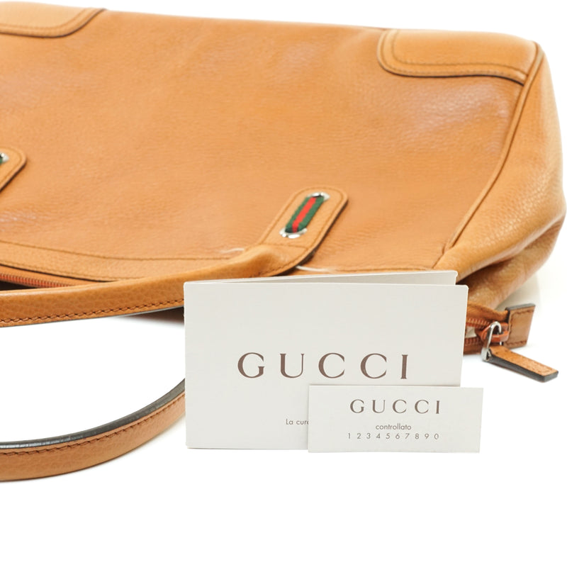 Pre-loved authentic Gucci Sherry Shoulder Bag Leather sale at jebwa.