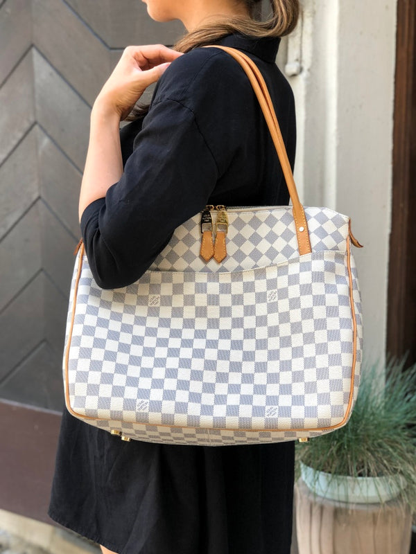 Pre-loved authentic Louis Vuitton Figheri Pm Shoulder sale at jebwa