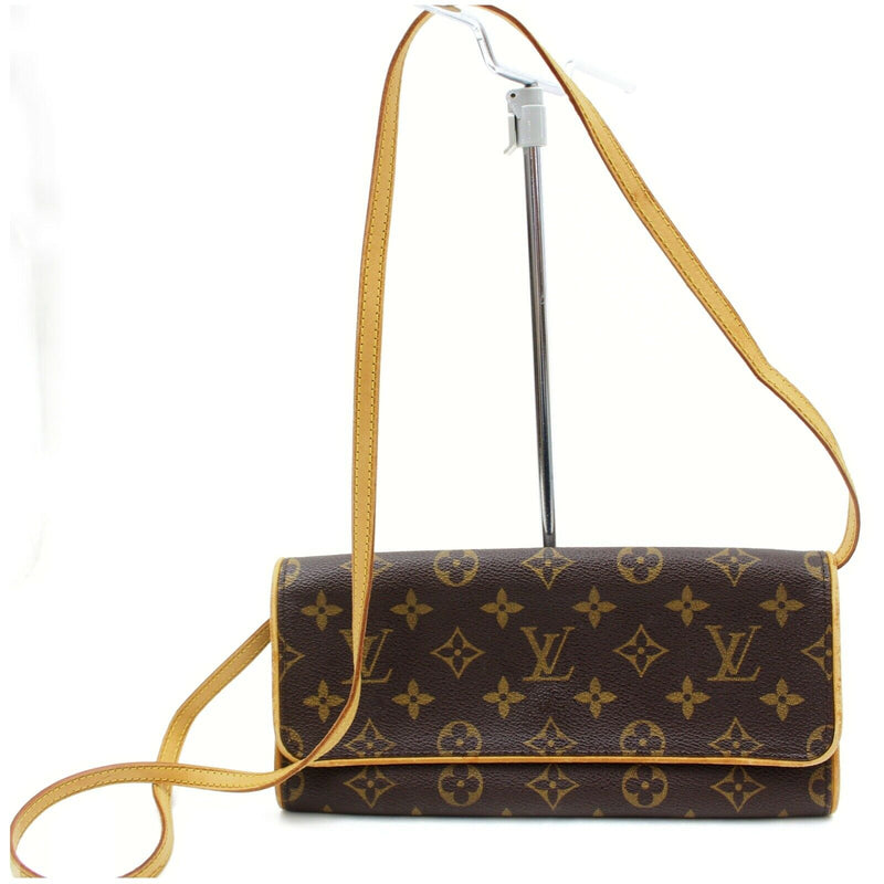 Pre-loved authentic Louis Vuitton Pochette Twin Gm sale at jebwa