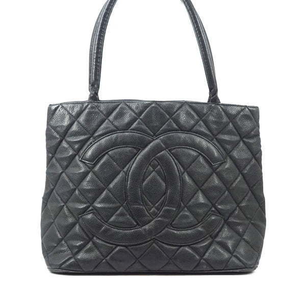 Pre-loved authentic Chanel Cc Caviar Skin Medallion Bag sale at jebwa