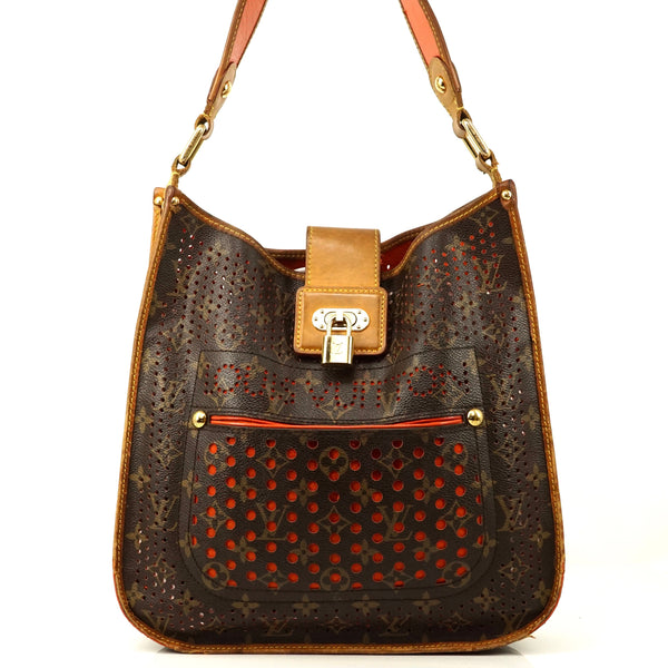 Pre-loved authentic Louis Vuitton Musette Perfo sale at jebwa