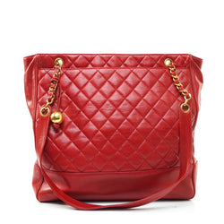 Pre-loved authentic Chanel Quilted Chain Tote Bag Lamb sale at jebwa.