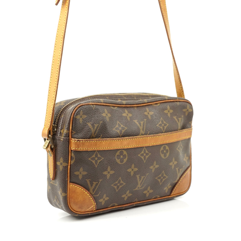 Pre-loved authentic Louis Vuitton Trocadero 23 sale at jebwa.