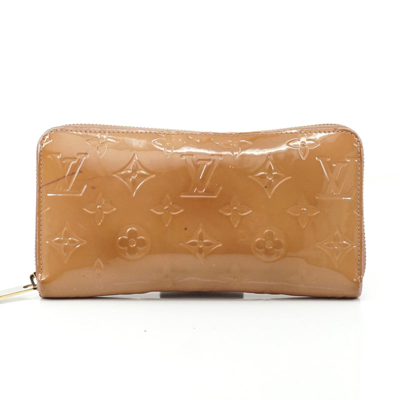 Pre-loved authentic Louis Vuitton Zippy Wallet Light sale at jebwa.