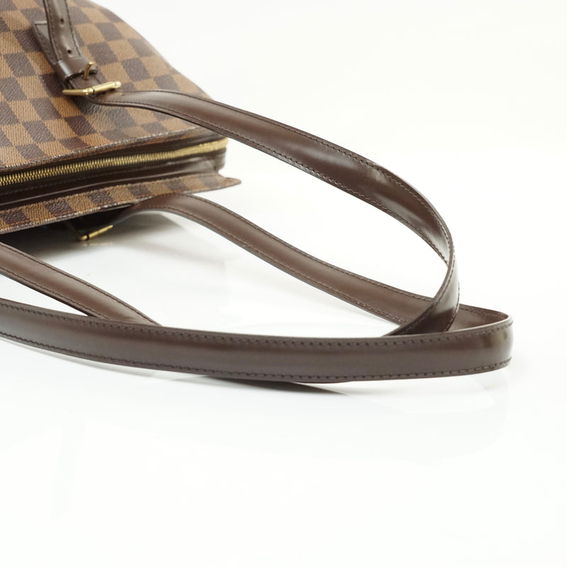 Pre-loved authentic Louis Vuitton Chelsea Tote Bag sale at jebwa.