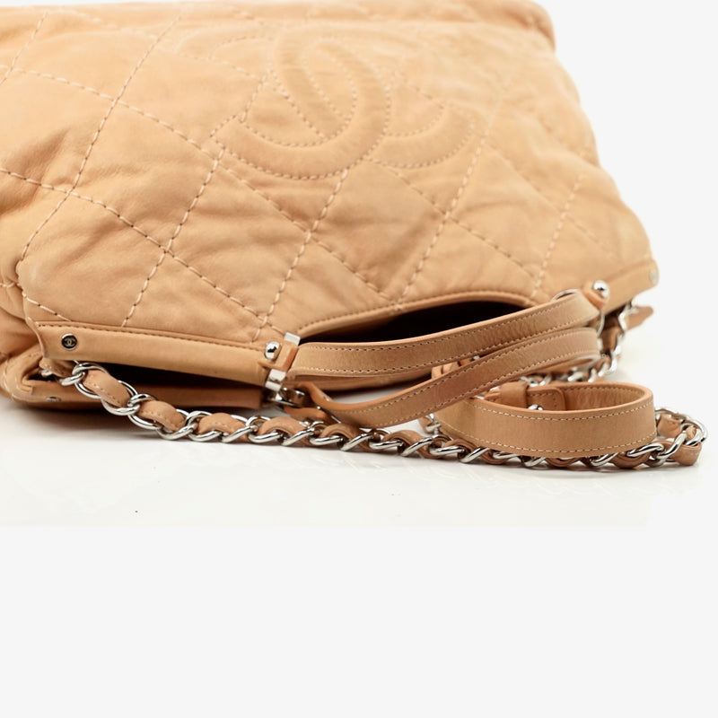 Pre-loved authentic Chanel Hand Pink Leather Crossbody sale at jebwa