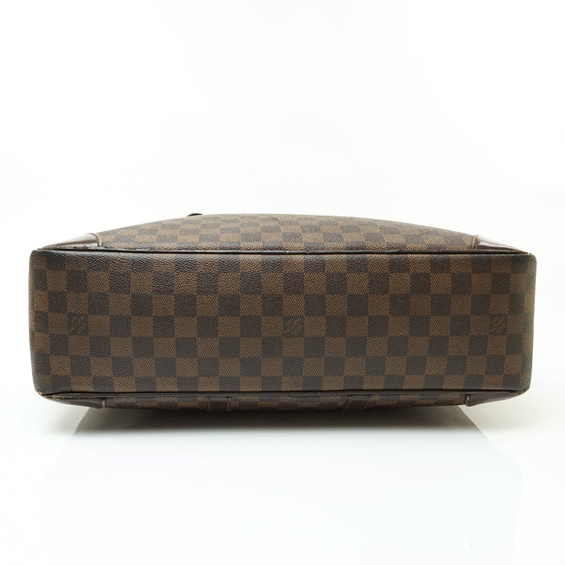 Pre-loved authentic Louis Vuitton Porte Documents sale at jebwa.